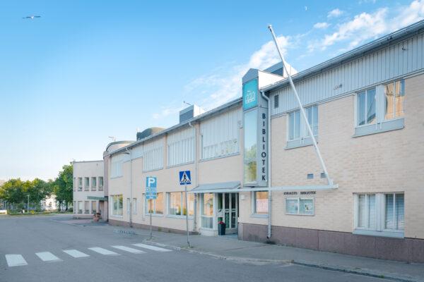 Hangon Kirjasto | Hangö Bibliotek | Hangon matkailutoimisto | Hangö Turistbyrå